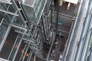caroussel-Fahrstuhlschacht-rohrreinigung-muenchen-66781279